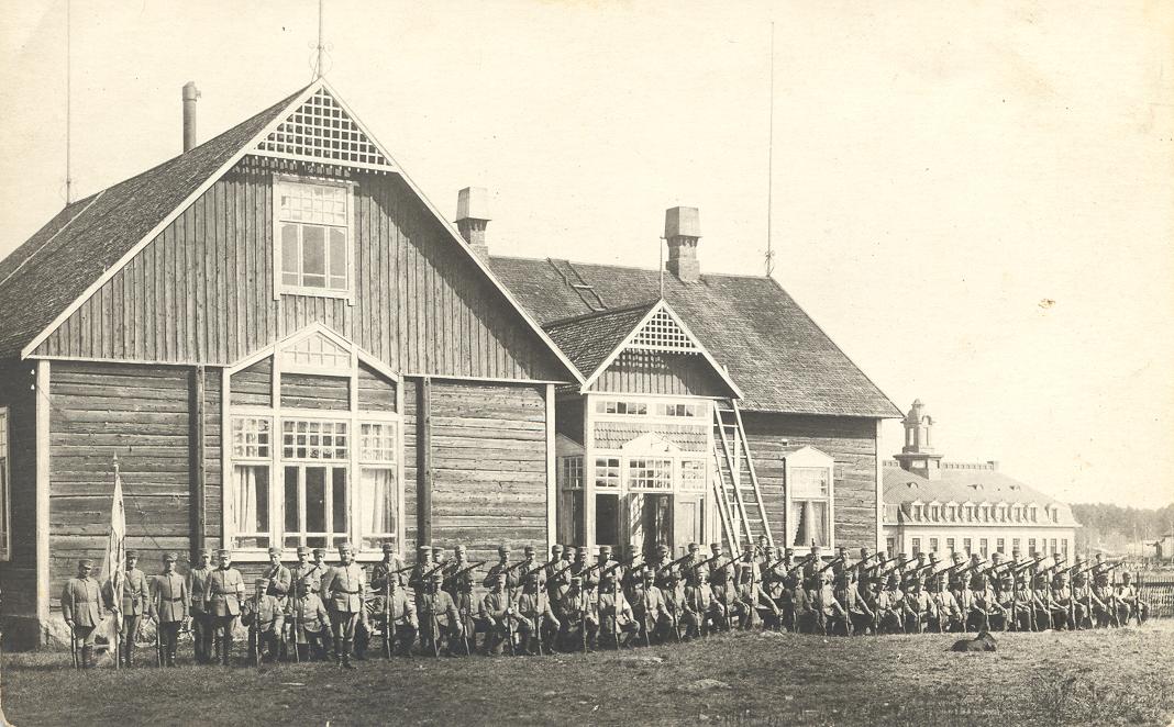Sotien aika Noormarkussa ja Ahlströmillä
